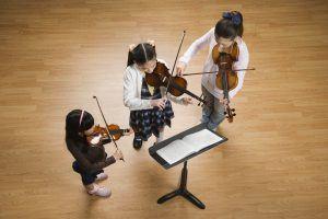 apprendre à jouer d'un instrument de musique