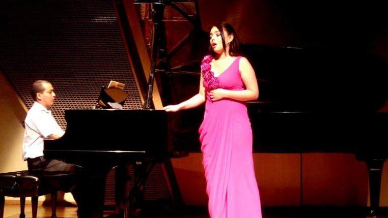 ligia, professeur de chant lyrique